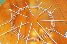 How to make a wreath. Making A Multi Color Deco Mesh Wreath - Step 3