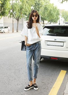 This outfit gives it a warm comfortable looks to it Asian Street Style, Korean Street Fashion, Korea Fashion, Asian Style, Asian Fashion, Ulzzang Fashion, Korean Style, Korean Girl, Daily Fashion