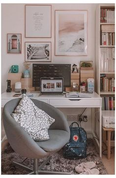 Home Office Space, Home Office Design, Home Office Decor, Home Decor, Office Desk, Office Setup, House Design, Living Room Mirrors, Living Room Sets