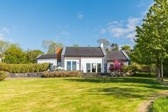 View our wide range of Houses for Sale in Kenmare, Kerry.ie for Houses available to Buy in Kenmare, Kerry and Find your Ideal Home. Detached House, Ideal Home, Cabin, House Styles, Irish, House Ideas, Home Decor, Homemade Home Decor, Ideal House