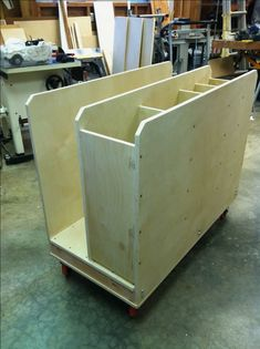 Scrap & cut off storage cart, thanks to Fine Woodworking magazine for the ideas. #WoodworkingTips