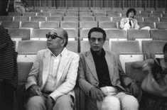 Akira Kurosawa and Satyajit Ray, just hangin'. Venice Film Fesival, 1982.