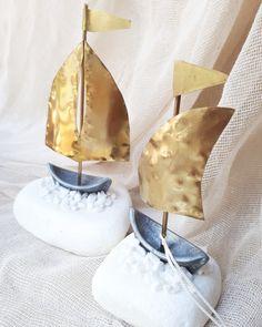 Κλασική επιλογή για Μπομπονιέρα βάπτισης η κι γάμου και ακόμα καλύτερα για εταιρικά δωρα !χειροποίητες μπομπονιέρες,πρωτότυπες μπομπονιέρες καλεστε 2105157506 #valentinachristina#vaptistika#mpomponieres#mpomponieres#mpomponieresvaftisis s#madeingreece #καραβάκι_βότσαλο#μπομπονιερακαραβι #μπομπονιέρες #μπομπονιερες #καραβι#καραβακια#καραβι_μπομπονιερα#valentinachristina #navy#navyvaptism#vaptism#athens#greece#handmade #christeningfavors#handmadeingreece #greekdesigners#etsy#μπομπονιερες_γαμου