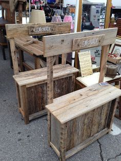 Lemonade stands for the kids! Diy Pallet Furniture, Diy Pallet Projects, Wood Furniture, Bar A Bonbon, Woodworking For Kids, Lemonade Stands, Barn Wood, Wood Crafts, Toy Barn