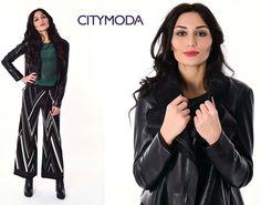 Puoi essere #glamour anche nelle giornate più impegnative grazie alla maglia @fashionimperial ed i pantaloni @dixieofficial abbinati al nero della giacca @katebylaltramoda e alle scarpe @cult_shoes