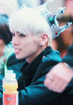 Happy birthday to this weirdo, our very own beloved Jjong. ^^ 우리는 당신을 사랑 김 종 현~! 4.8.14