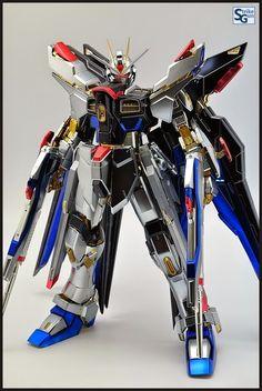 GUNDAM GUY: PG 1/60 Strike Freedom Gundam [Extra Coating Finish Ver.]