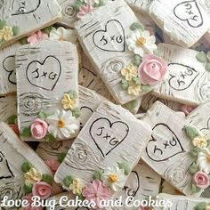 Lots of birch bark Cookies! I'll be teaching this technique in my Fall Wedding…