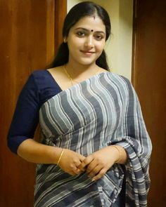 Anu Sithara is an Indian film actress who appears in Malayalam cinema.Anu Sithara is also known as junior Kavya Madhavan. Beautiful Girl Indian, Most Beautiful Indian Actress, Beautiful Saree, Beautiful Women, Beautiful Gif, Beautiful Clothes, Indian Natural Beauty, Indian Beauty Saree, Beauty Full Girl