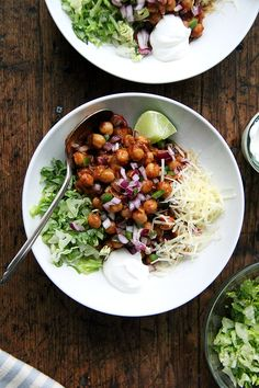 """Chickpea Taco Bowls // A meatless taco """"meat"""" that's soo good you don't even need taco shells to enjoy it! // @alexandracooks"""