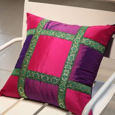 Bed Cover Design, Cushion Cover Designs, Pillow Design, Cushion Covers, Sewing Pillows, Diy Pillows, Decorative Pillows, Cushion Embroidery, Embroidered Cushions