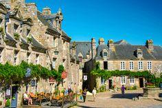 Les plus beaux villages de Bretagne. Locronan