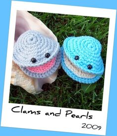 Amigurumi Clam and a Pearl. So cute.