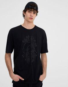 Short sleeve T-shirt with skull - T-shirts - Clothing - Man - PULL&BEAR Canary Islands