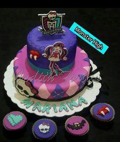 "Torta decorada con fondant ""Monster High"""