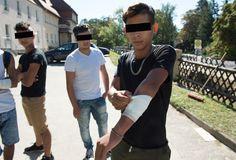 """""""Vielleicht haben wir uns auch einfach an den falschen Deutschen orientiert"""", räumt Hasan ein  Nach den Ausschreitungen von Donnerstag zwischen rund 20 jugendlichen Flüchtlingen und 80 Rechten in Bautzen herrscht große Empörung im ganzen Land. Nun äußerten sich erstmals einige der ..."""