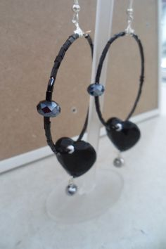 black earings by ellishoes.blogspot.com
