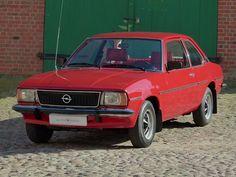 Opel Ascona, mein Kumpel hatte so einen. Boah, wie langweilig...