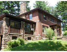 11 Mountain View Dr, Holyoke, MA 01040 - Home For Sale and Real Estate Listing - realtor.com®