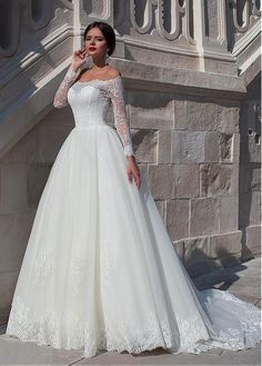Fabulous Organza Off-the-shoulder Neckline Ball Gown Wedding Dress With Beaded Lace Appliques