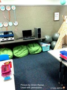 If you're contemplating using flexible seating in your classroom, this post has some great suggestions for you! It can be expensive to set up, but it allows students to stay on task and more engaged in their learning. It also allows them to move, stretch, Classroom Desk, 3rd Grade Classroom, Classroom Supplies, Classroom Organization, Classroom Management, Classroom Projects, Behavior Management, Organization Ideas, Fourth Grade