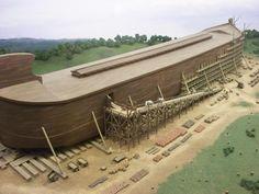 L'Arche de Johan Huibers (52 ans), mesure 150 mètres de long (300 Coudées), 15 mètres de haut (30 Coudées) et 12.50 mètres de largeur (50 coudées), le tout étant entièrement couvert de bois (Pin de Suède) pour un poids total de 3 000 tonnes. 1600 animaux en plastique de taille réelle viendront paver le sol, ainsi qu'un chambre identique celle de Noé, une meule de pierre pour moudre la farine (afin de concevoir le pain de la Bible), des fresques retraçant l'histoire de l'ancien testament…