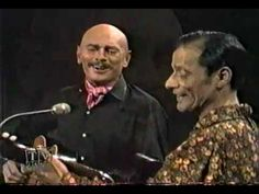 Yul Brynner and Alesha Dimitrijevic - Two guitars - Rare Video - YouTube