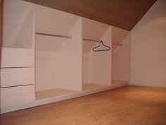 opbergruimte voor op zolder / schuindak