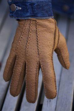 Lederhandschuhe - Manufacturing Process of Leather Gloves in Transylvani...