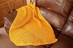 Easy Bobble Baby Blanket Knitting pattern by Daisy Gray Knits Baby Scarf, Baby Blanket Crochet, Afghan Crochet, Easy Crochet, Crochet Baby, Knitted Baby, Christmas Knitting Patterns, Baby Knitting Patterns, Stitch Patterns