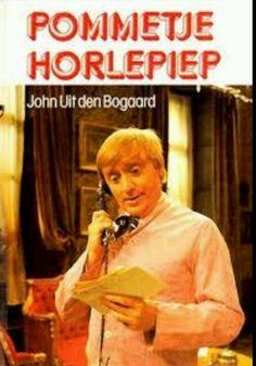 Volgens mij ken ik t iedje nog ....Pom pom pom pom pom pom pom pommetje horlepiep 2x ze vragen me welleens, of ik me soms niet schaam, dan zeg ik waarom zou ik want het is een mooie naam Rombertus Hollerpiep zo heet ik officieel  das beter dan Jan Jansen want zo heten er zo veel ...enz,.