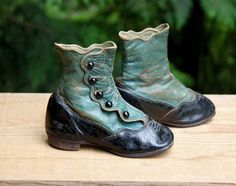 Antique Button Up Child's Leather Boots / Shoes, Blue Scallop Uppers, Stacked Heels