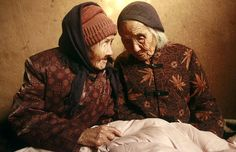 104-year-old twins, Cao Daqiao and Cao Xiaoqiao talk at home in Weifang, ...  telegraph.co.uk