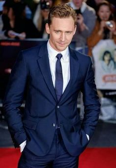 Tom Hiddleston ✝