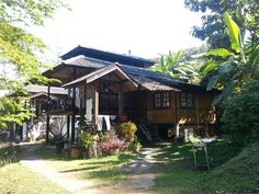 This was my home for a few months at the Chiang Pai resort close to the white buddha