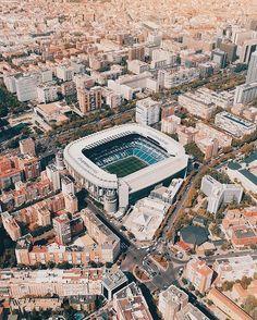 Santiago bernabeau😘 Home ⚽ Ramos Real Madrid, Real Madrid Shirt, Real Madrid Club, Ronaldo Real Madrid, Fifa Soccer, Football Soccer, Messi Soccer, Soccer Tips, Spain