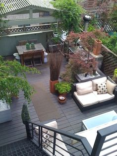 Roof deck garden on pinterest roof deck rooftops and rooftop deck Amenager petite terrasse reve decorer