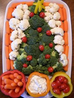 Christmas veggie tray with easy dip recipe.