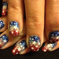 love blended / airbrush look 4th of July nails