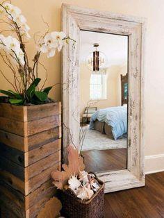 Arredi per bed and breakfast - Specchio nella camera ospiti
