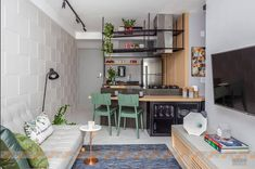 Best Small Kitchen Ideas for Your Tiny Space - Inspiring Home Small Galley Kitchens, Grey Kitchens, Small Kitchen Ideas On A Budget, Saarinen Table, Simple House Design, Tiny Spaces, Minimalist Kitchen, Apartment Design, Kitchen Design