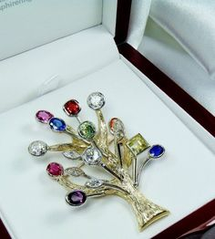 This was a wonderful Gift idea made by our master jeweler, when it came time for a valentines gift this concept of a natural sapphire and diamond tree of life with a sapphire for each year of marriage was created by Glen our master jeweler, he set forth a Sapphire Wedding, Sapphire Diamond, Color Change Sapphire, Natural Sapphire Rings, Ring Size Guide, Gold Brooches, Antique Rings, Ring Designs, Natural Gemstones