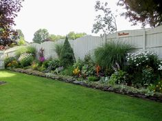 Backyard privacy fence landscaping ideas on a budget (3)