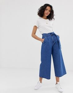Browse online for the newest ASOS DESIGN lightweight soft belted denim culotte in mid wash blue styles. Shop easier with ASOS' multiple payments and return options (Ts&Cs apply). Denim Culottes Outfits, Culottes Outfit Summer, Denim Outfit, Summer Outfits, Denim Look, Jeans Boyfriend, Pantalon Large, Look Girl, Low Rise Skinny Jeans