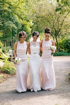 This wedding is all kinds of pretty, but without doubt it's Joanna who steals the show in her gorgeous slim-line Lusan Mandongus gown and full-length veil. Wedding Fair, Wedding Blog, Wedding Ideas, Lusan Mandongus, Bridesmaid Dresses, Wedding Dresses, Bridesmaids, Lake Tahoe Weddings, Garden Wedding