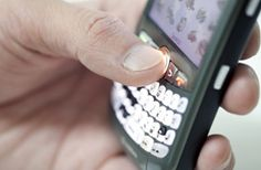 Traveling with a Smartphone: Cut Costs Overseas