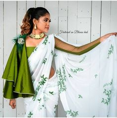 Netted Blouse Designs, Saree Blouse Neck Designs, Fancy Blouse Designs, Bridal Blouse Designs, Stylish Blouse Design, Designer Blouse Patterns, Stylish Sarees, Indian Designer Outfits, Look Fashion