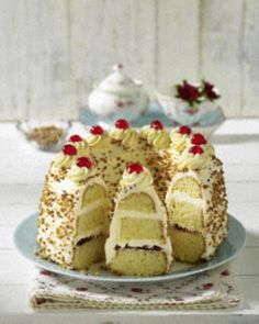 "Frankfurter Kranz - though I have to find a better recipe. I HATE this business of ""half a packet Baking Powder"" - hello: we don't all live in places where packets are available. Give me measurements!!!"