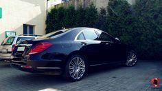 To już kolejny Mercedes-Benz Klasy S goszczący w naszym serwisie. W prezentowanym egzemplarzu w wersji silnikowej 350d dokonaliśmy najpopularniejszego zestawu modyfikacji – kuracji wzmacniającej silnika #REMUS oraz aktywnego wydechu zapewniającego odpowiedni dźwięk #MAXHAUST.  Więcej informacji: http://gransport.pl/blog/realizacja-mercedes-benz-s350d-w222-remus-maxhaust/  Lider Tuningu Aut Premium w Polsce GranSport - Luxury Tuning & Concierge http://gransport.pl/index.php/