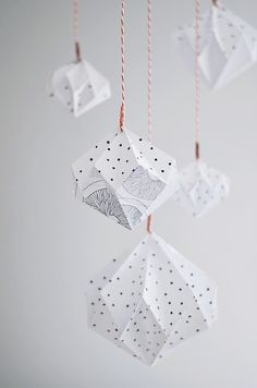 Make a beautiful DIY mobile out of origami diamonds. Via of paper and things. Diy Origami, Origami And Kirigami, Origami Paper Art, Diy Paper, Paper Crafts, Origami Ideas, Origami Templates, Box Templates, Paper Diamond